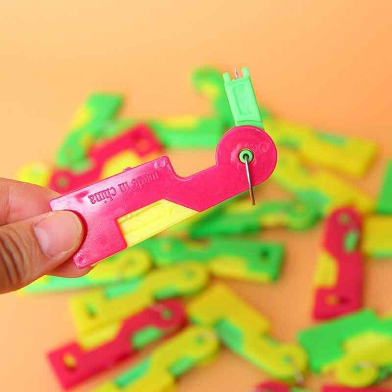 1 pc agulha nova agulha de costura threader dedal threader ferramenta de rosca idosos guia fácil dispositivo automático linha costura suprimentos