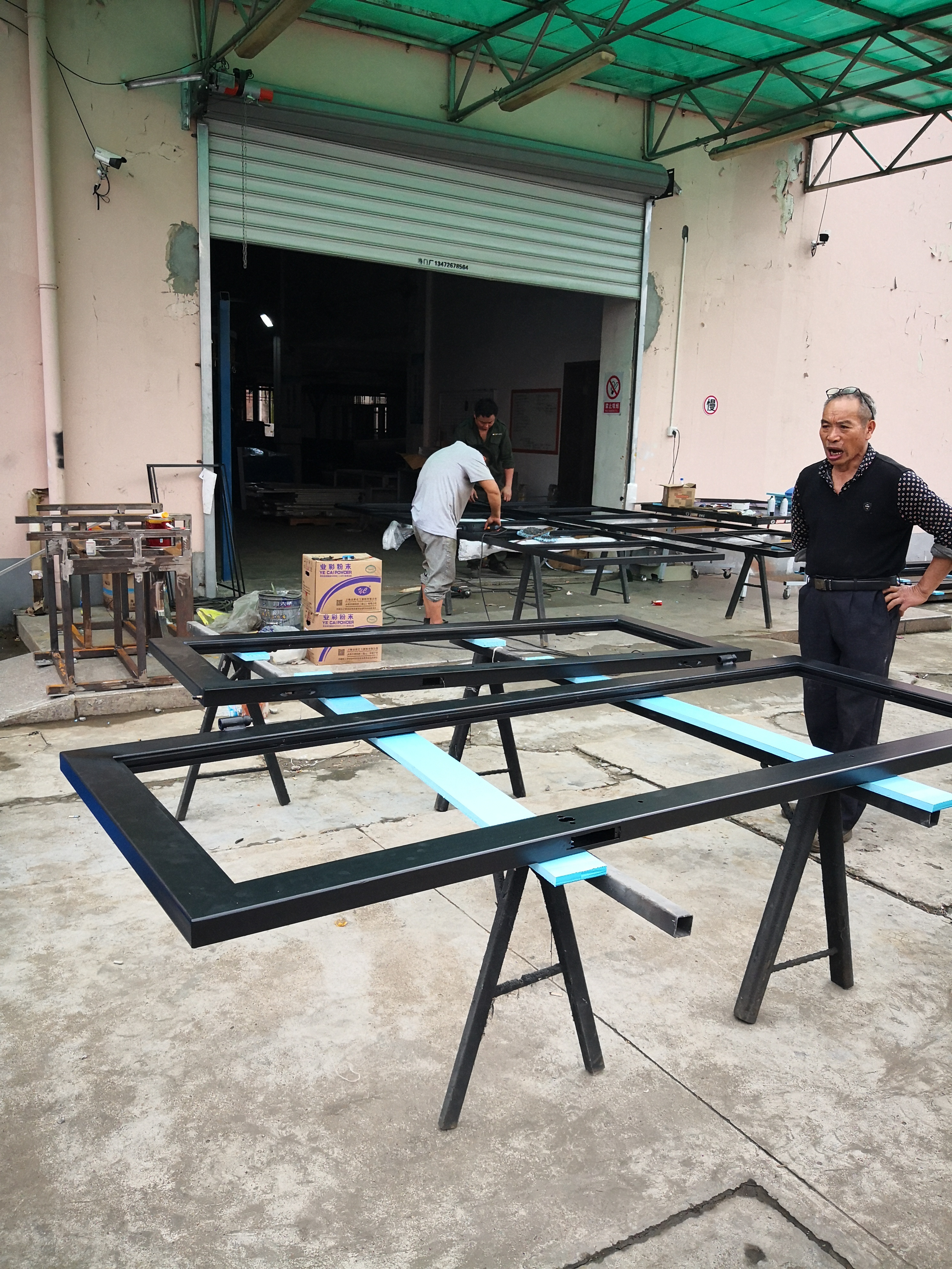 Shanghai Hench Brand China Factory 100% Custom Made Sale Australia Iron Pivot Door