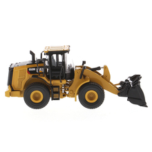 DM 1/64 CAT Caterpillar 950M Wheel Loader 85608 Construction Vehicle Model