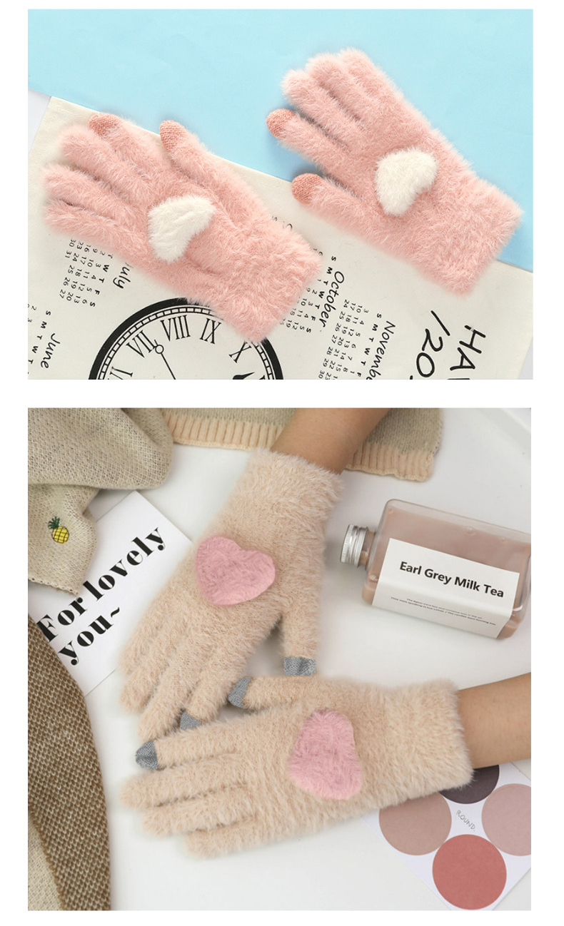 Fashionable and Knitted Touch Screen Gloves for Women Made of Soft Rabbit Wool with Pink Heart Design 12