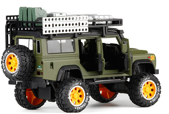 1/28 Diecasts Toy Vehicles Defender Camel Trophy Car Model Sound Light Car Toys For Children Gift  Collection