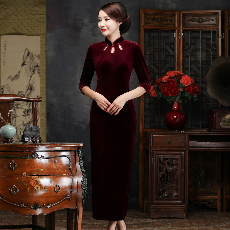 Velvet Cheongsam Skirt Lady's High-grade Cultivate Morality Show Thin Long Modified Pure Color Restoring Ancient Ways
