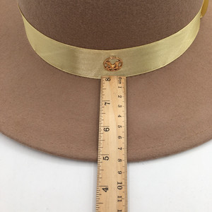 Image 5 - とキャメル帽子男性と女性のジョーカーフラット帽子手紙フラットつばフェルト帽子欧米のファッション帽子 Fedoras