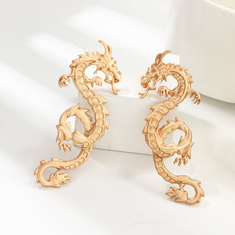 Vintage Chinese Dragon Stud Earrings for Women Punk Personality Animal Totem Earrings Statement Jewelry Gift