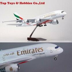 Emiratos aeroplano 1/160 lámpara LED avión modelo A380 Mini avión de pasajeros juguetes 47cm de largo Diecast aviones Juguetes