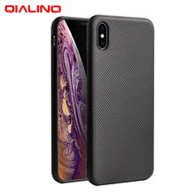 QIALINO أنيق ألياف الكربون غطاء الهاتف لابل آيفون X/XS الألياف الشعور رقيقة جدا حقيبة لهاتف أي فون XR/XS ماكس