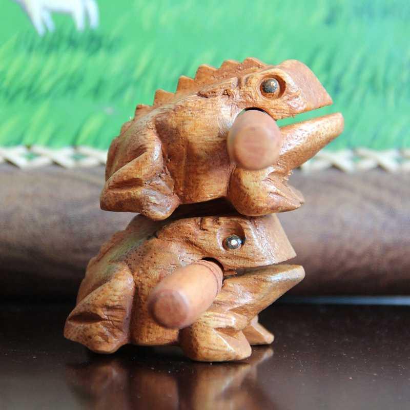 BYFRI Holzfrosch Quaken Musikinstrumententons Block-Kunst Figuren Dekorative Miniatures Giftwooden Frosch Musikinstrument Holz Percussion 1pc