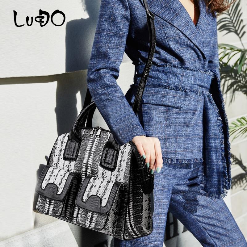 LUCDO Women's Korean style 2020 new bag lady's Snake pattern handbag fashion Large Capacity totes bags
