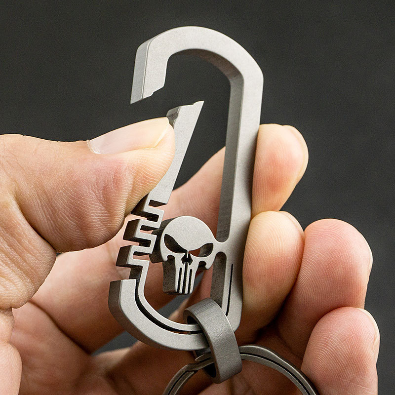 Titanium Alloy Key Ring, New Skull Head Key Ring, Outdoor Climbing Buckle Waist Hanging For Men