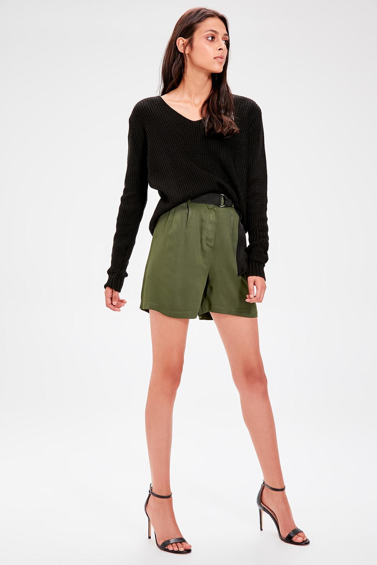 Trendyol Khaki Belt Detaylı Shorts TWOAW20SR0015