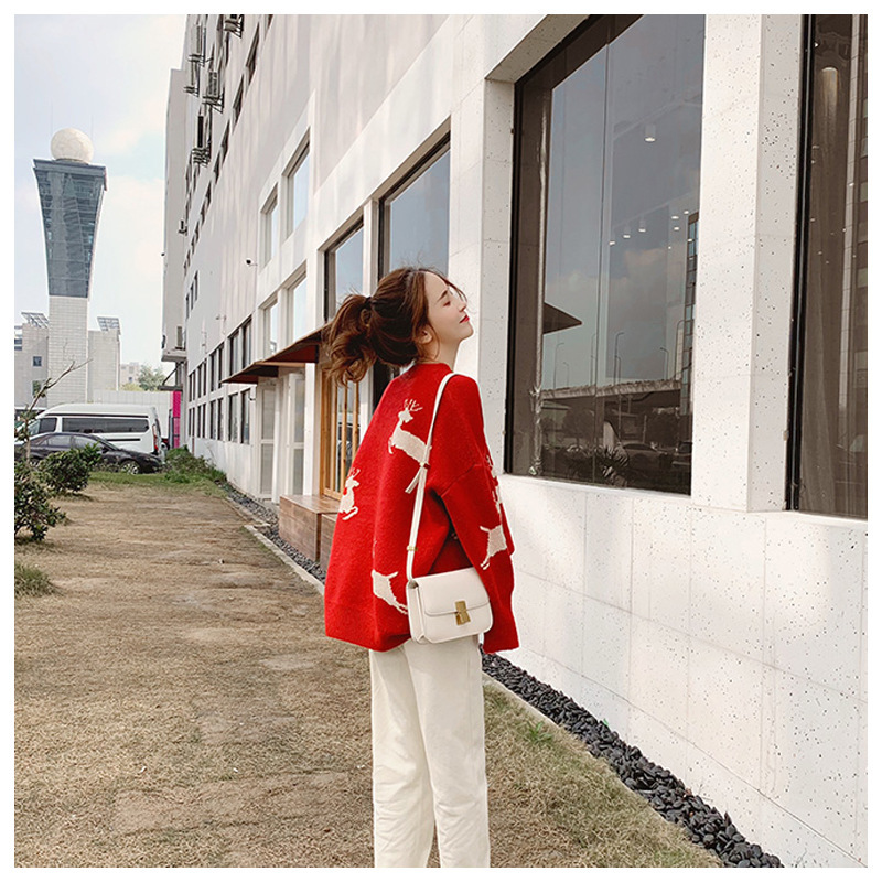 New Korean loose Christmas elk Beige red pullover women sweater coat 2019 winter new sweater women thickened New Year clothing - 3