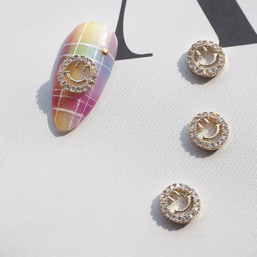 10 шт./лот Роскошные Золотые кристаллы с цирконом в форме смайлика для дизайна ногтей ювелирные изделия со стразами аксессуары для ногтей ук...