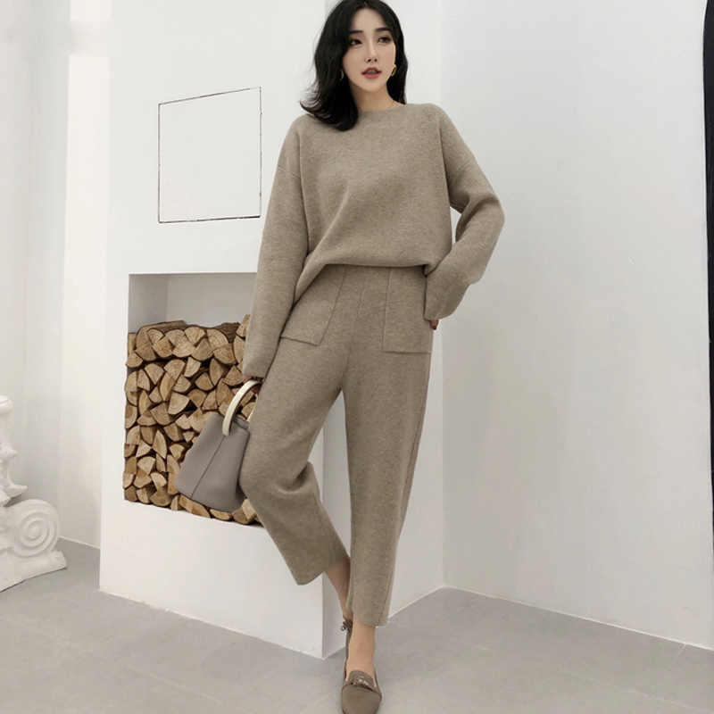sportswear round neck sweater pullover and pants high waist women's sweater set knitted set autumn and winter knitted two-piece