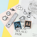 Классические броши в стиле фотошопа на панели инструментов, курсоры, песочные часы, компьютерная мышь, ручная стрелка, эмалированные значки...