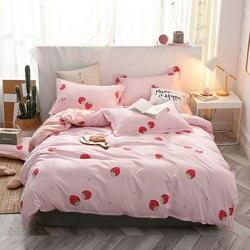 Truskawkowy kot 4 sztuk Kid zestaw narzut na łóżko Cartoon kołdra pokrywa dorosłych prześcieradła dla dzieci i poszewki komfortowa pościel zestaw 2TJ-61003
