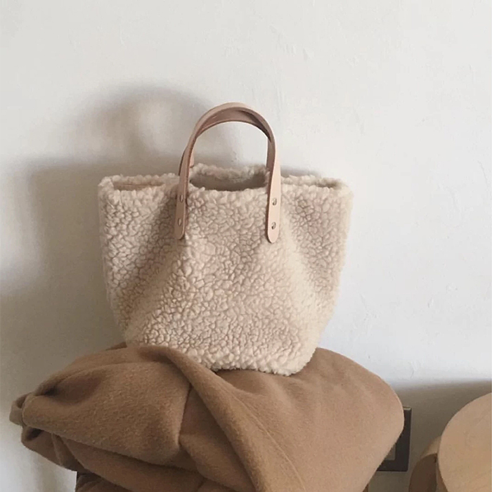 Korea Stlye Women Handbag Large Capacity Winter New Soft Wool Plush Woman Bags Ladies Totes Shopping Bag Bolsa Feminine White