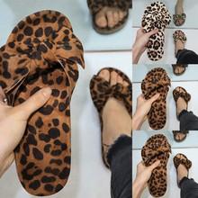 Sandały damskie płaskie sandały na lato wzór w cętki łuk slip on pantofle damskie z wystającym palcem sandały plażowe obuwie klapki damskie tanie tanio JAYCOSIN Flock RUBBER Niska (1 cm-3 cm) Pasuje prawda na wymiar weź swój normalny rozmiar 6 24 Slajdy Rzym Leopard Poza