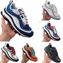 Nouveauté 98 Chaussures de course Hommes Femmes Bleu Marine Extérieur Triple Noir Blanc Solaire Rouge Chaussures De Sport Baskets Légères 36-45