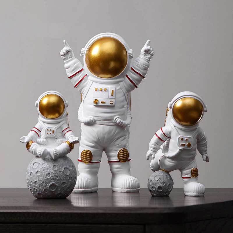 Children Toys Resin Astronaut Figure Statue Figurine Spaceman Sculpture  Educational Toys Desktop Home Decoration