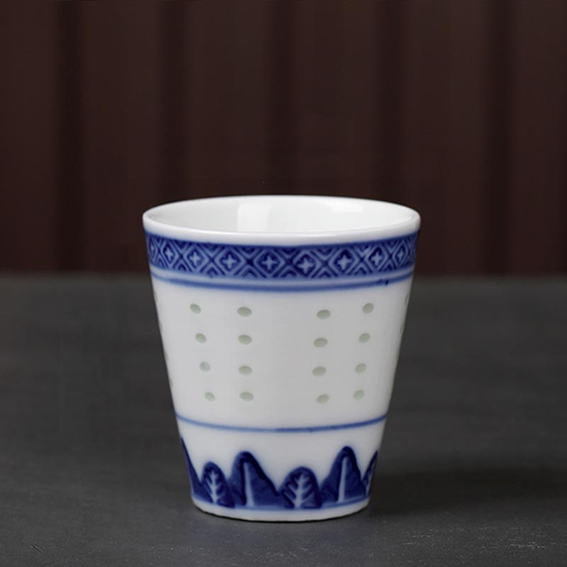 CHINESE OLD BLUE AND WHITE DRAGON PATTERN PORCELAIN WINE CUP// TEA CUP