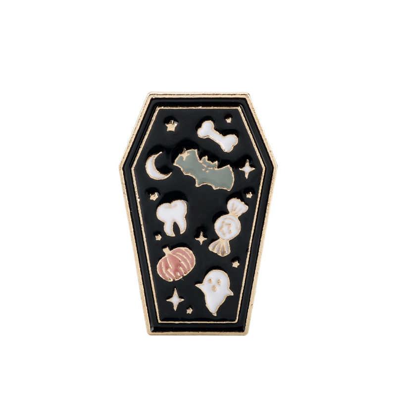 Gotik tabut broş koleksiyonu emaye pimleri yılan ay kafatası iskelet keçi şeytan Pin düğmesi Metal rozet cadılar bayramı hediye takı