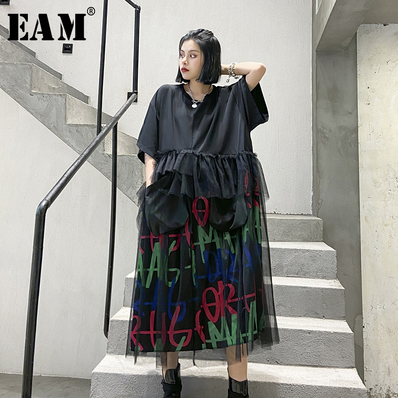 [EAM] Women Black Letter Mesh Split Big Size Long Dress New Round Neck Half Sleeve Loose Fit Fashion Spring Summer 2020 1T842