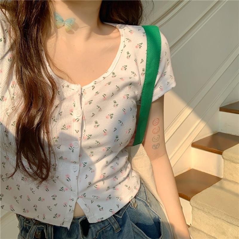 Chic T Shirt Women Harajuku Summer Short Sleeve Button Floral Sexy Tshirt White Black Crop Top T Shirt Femme Camiseta Mujer