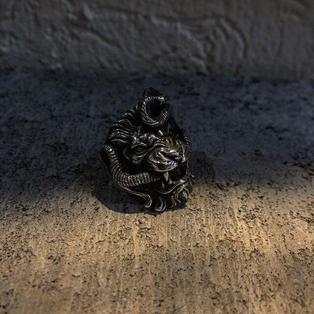 Bague lion serpent
