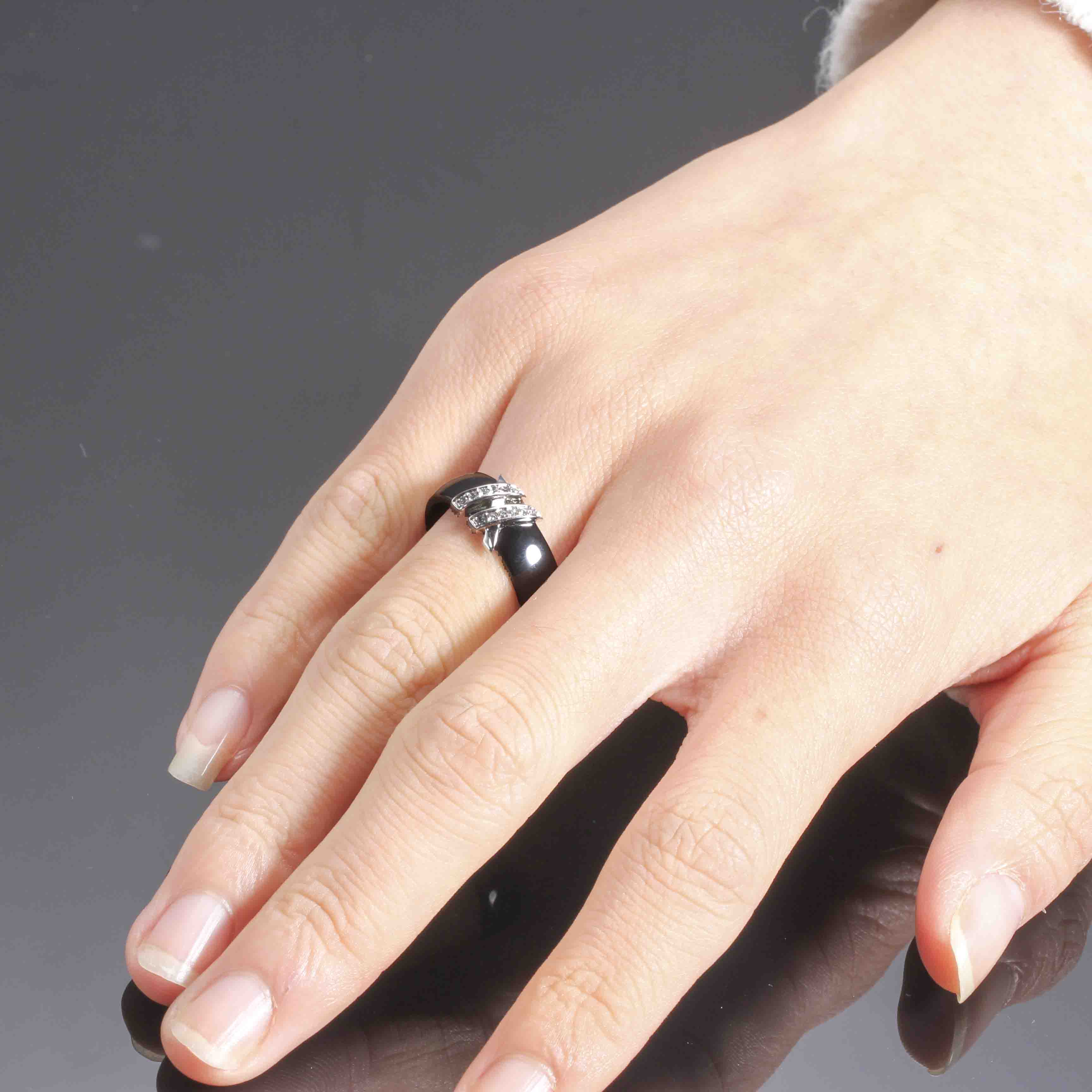 Best 6mm High Quality Black And White Simple Style Two Line Crystal Ziron Ceramic Rings For Women Fashion Jewelry Gift 2