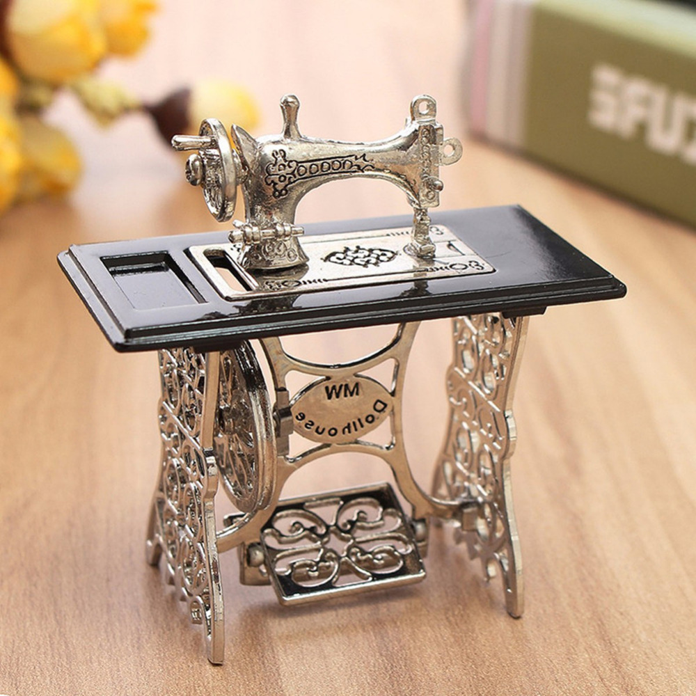 Vintage Doll Model Mini Sewing Machine Accessories Crafts Home Furnishing Articles Decoration Miniature Figurines