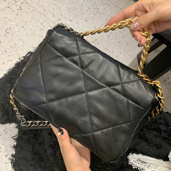 2020 luxury handbags designer 19 bag women lambskin crossbody bag soft leather big tote purse brand chain shoulder bags 2017 soft leather lattice stitching 3 layers of space women tote bags handbags women famous brand casual crossbody bag