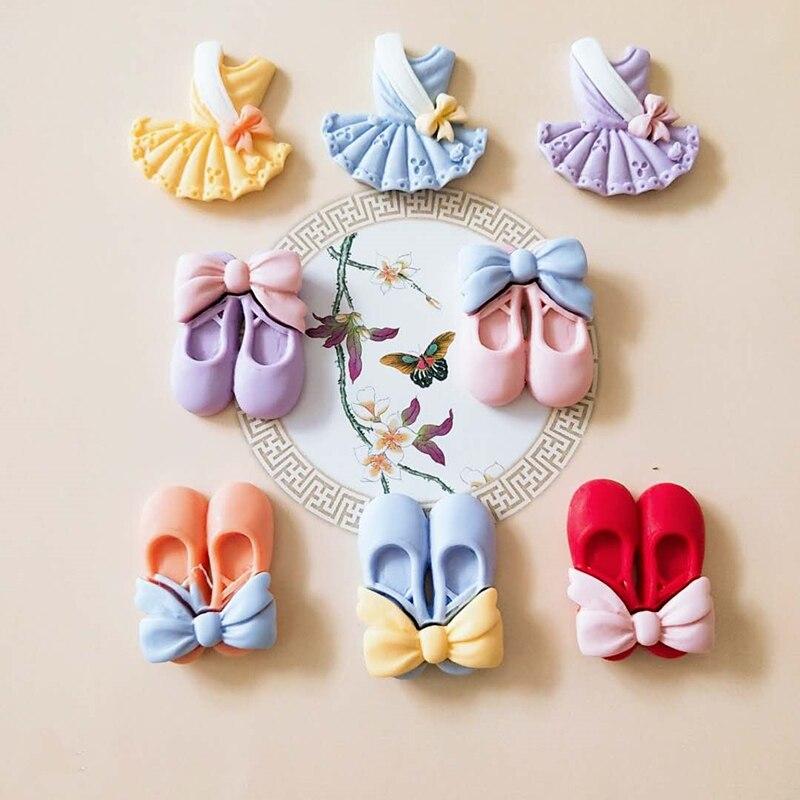 10 шт. милые одежды обувь смолы аксессуары для ванной комнаты, сделай сам, ювелирное изделие в виде заколки декоративные материалы плоское ук...