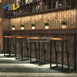 2019 Retro nowoczesny bar stołki krzesło barowe kreatywny wysoki stołek stały stylowe z kutego żelaza z litego drewna wypoczynek z przodu krzesło kawowe -