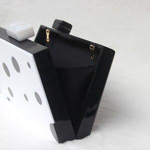Image 5 - حقيبة سهرة نسائية موضة جديدة لعام 2020 ، حقائب يد بسلسلة من الأكريليك المنحرف باللون الأسود والأبيض ، حقائب حفلات الزفاف الفاخرة ، صندوق عتيق بقبضة