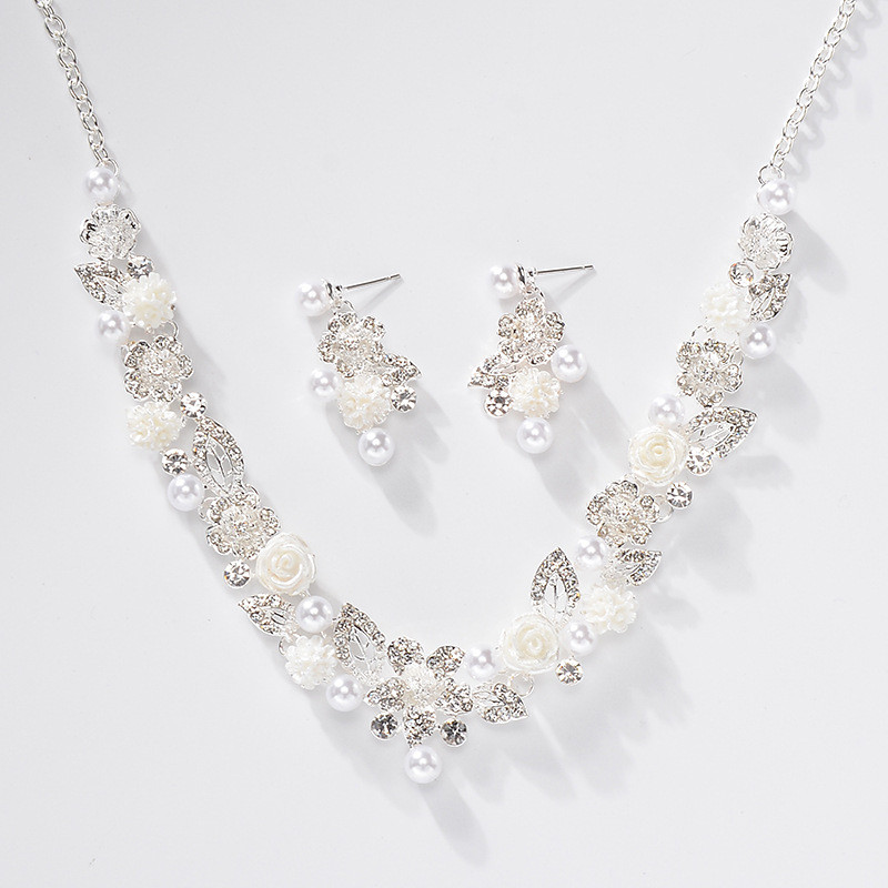 CC Jewelry Sets Pearl Necklace Stud Earrings Choker Pendant Romantic Wedding Engagement Accessories For Bridal Women Gifts TL159