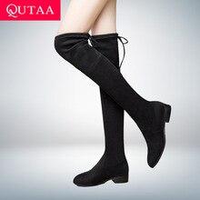 QUTAA г. Женская обувь женские ботфорты выше колена на низком квадратном каблуке черные женские мотоботы с острым носком размер 34-43