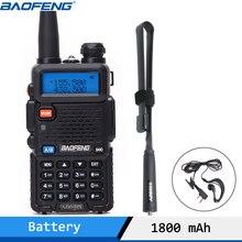 Baofeng Walkie Talkie UV 5R 5W Dual Band Rádio em Dois Sentidos VHF/UHF 136 174MHz & 400 520MHz FM Transceptor Portátil com Fone de Ouvido