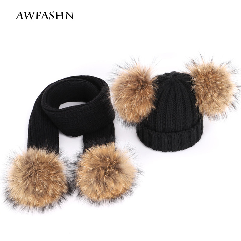 2019 Fashion Children's Hat Real Natural Raccoon Hair Ball Pompom Pea Boy / Girl Hat Thick Scarf Suit Sports Winter Bib Ski Warm
