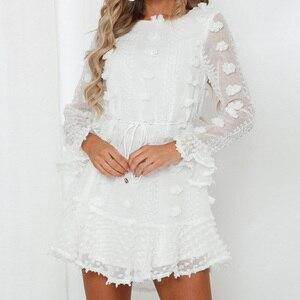 Женское пляжное мини-платье LZEQuella, белое повседневное ажурное платье в стиле бохо с оборками и коротким рукавом, модель NZ1332