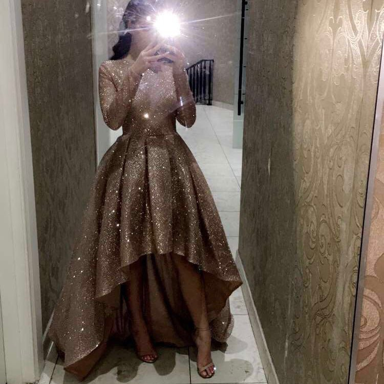 Sexy High Low Prom Gowns Long Sleeves Bling Bling Party Dress Plus Size Gold African Short Front Long Back Prom Dresses 2019