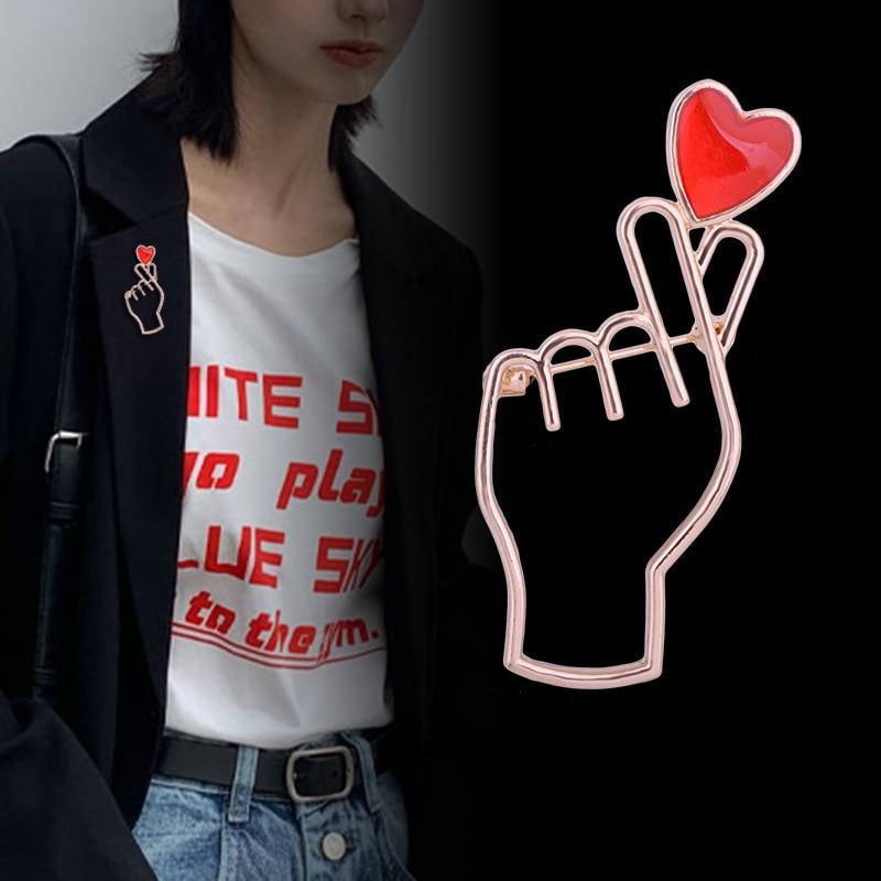 Korean Fashion Heart Hand Gesture Pin Finger Red Love Heart Shape Enamel Pins Metal Brooch Lapel Pin Badge Jewelry Accessories