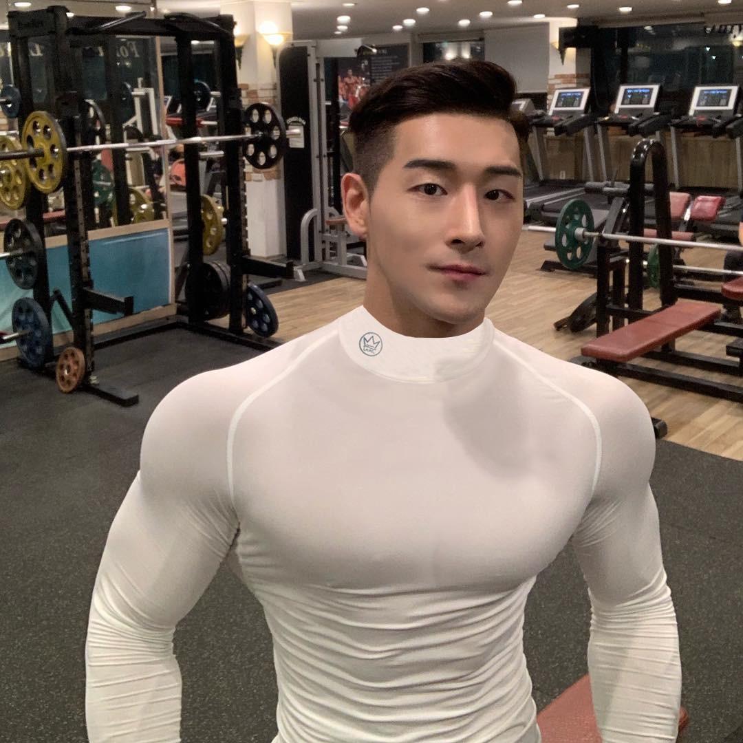 Men Skinny Long Sleeve Shirts Spring 2019 Casual Fashion Printed T-Shirt Male Gyms Fitness Black Tee Shirt Tops Brand Clothing
