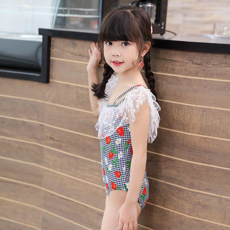 2019 GIRL'S CHILDREN'S Swimwear Baby Small CHILDREN'S One-piece Triangular Strawberry Infants Off-Shoulder Hot Springs Swimwear