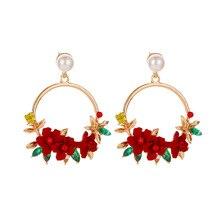 цены 2019 Pearl Flower Pendant Earrings Hanging Round Flower Geometric Earrings Golden Flower Earrings for Women Fashion Jewelry