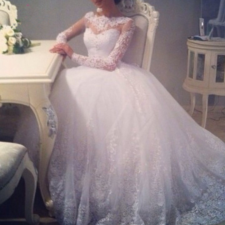 Long Sleeve Wedding Dresses 2016 Scoop Neckline Ball Gown Beaded Applique Floor Length White Lace Wedding Gowns