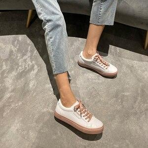Image 5 - נעלי אישה 2020 אביב חדש שטוח עור סניקרס נשי מוצק צבע תלמיד פלטפורמת נעליים מזדמן נמוך למעלה דירות נשים נעליים