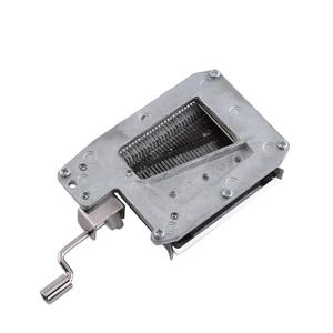 Image 5 - 30 Note Mechanical ดนตรีกล่องเทป Hand Crank Music BOX การเคลื่อนไหว + Puncher 3 แถบ DIY เพลงที่สมบูรณ์แบบชุดของขวัญร้อน