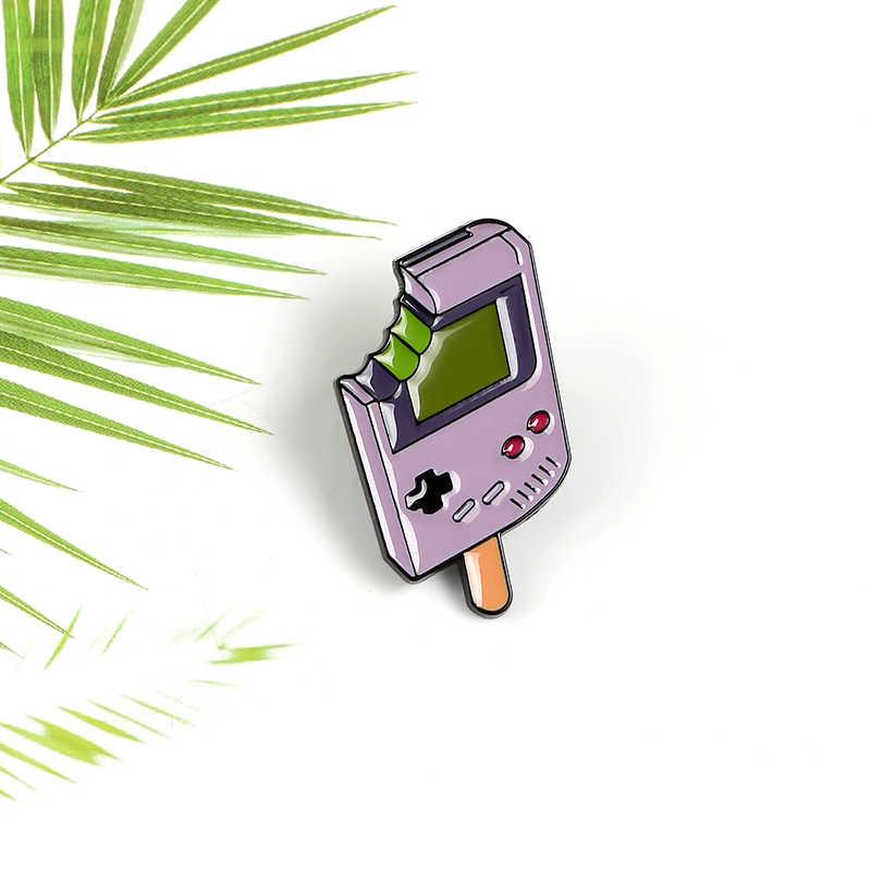 아이스크림 아이스크림 핸드 헬드 게임 플레이어 에나멜 브로치 레트로 80 년대 90 년대 어린 시절 콘솔 데님 칼라 옷깃 핀 어린이 친구