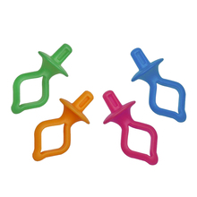 50 Pieces Assorted Color Silicone Thread Clips Bobbin Holders Clips Clamps Keep Bobbin Thread Tails Under Control