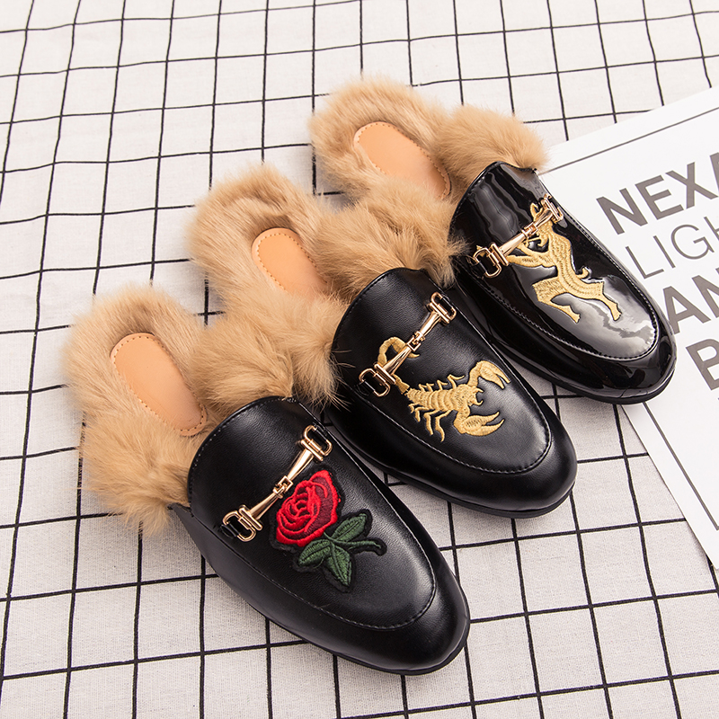 2020 Men Casual Fur Sandals Patent Leather Shoes Mens Flat Slippers Breathable Hole Flats Light Male Massage Platform Slippers